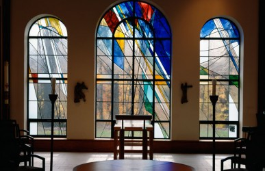 Interior view: 'Resurrection Window', Altar (photo: Stephen Ostrow)
